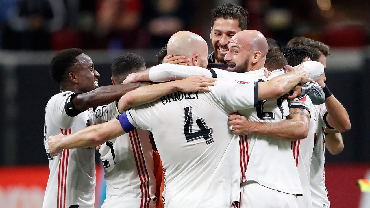 toronto-fc-players-celebrate-win-over-atlanta-united