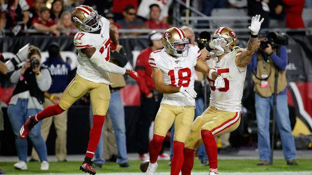 49ers-teammates-celebrate-touchdown-against-cardinals