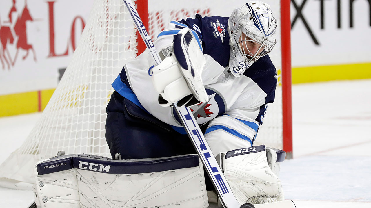 Hellebuyck and the Jets are lovin' life on the road