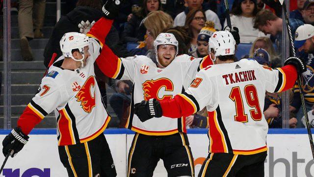 Elias-Lindholm-Calgary-Flames