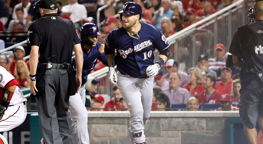 Former Brewers catcher Grandal signs deal with White Sox
