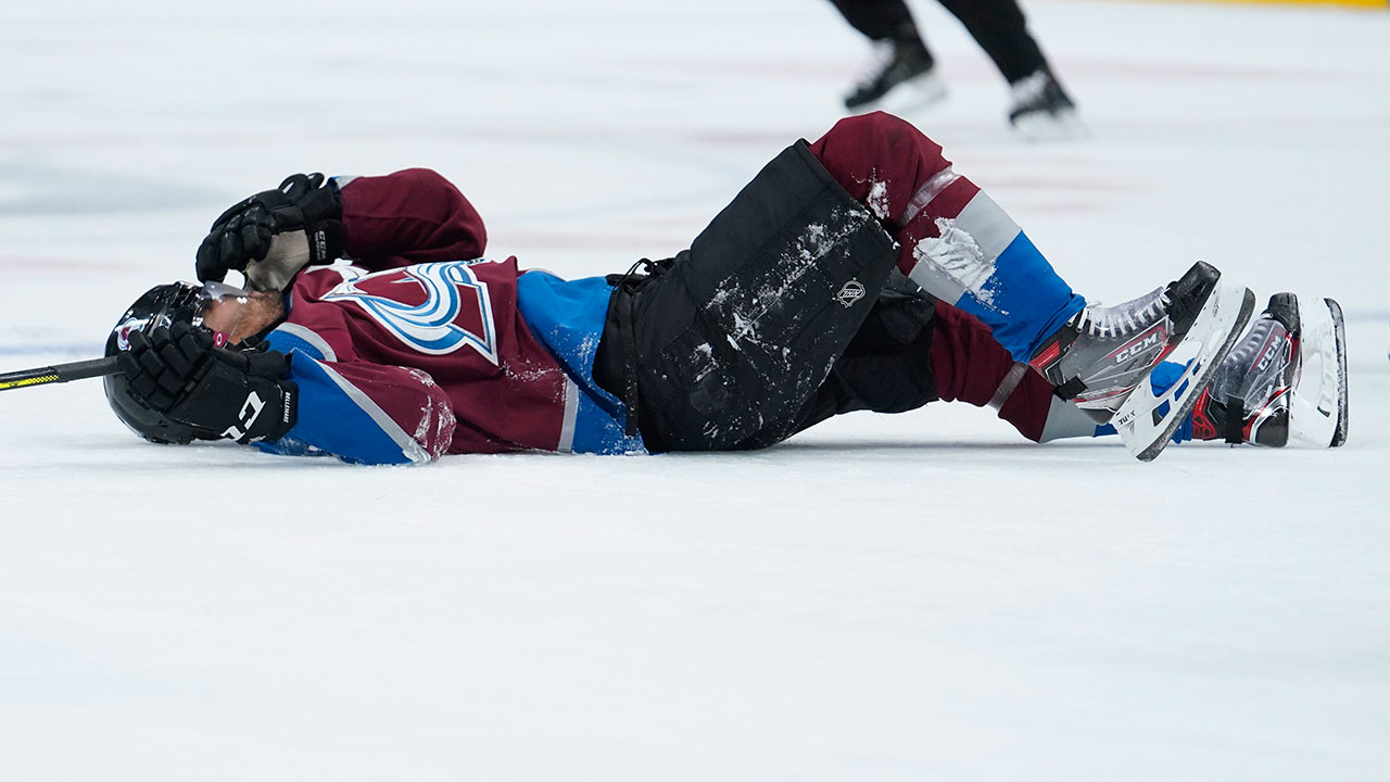 Blue Jackets' Foligno to have hearing for elbowing Avalanche's Bellemare