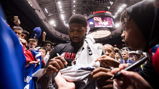 clippers-paul-george-signs-autographs
