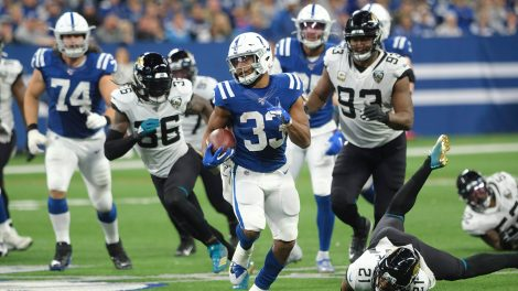 colts-jonathan-williams-run-against-jaguars