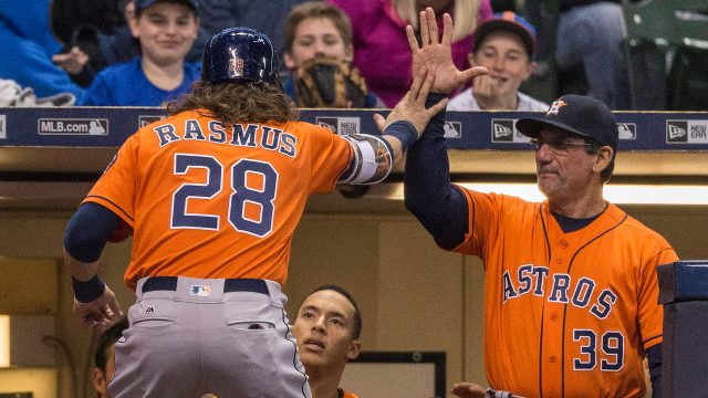 david-hudgens-high-fives-astros-colby-rasmus