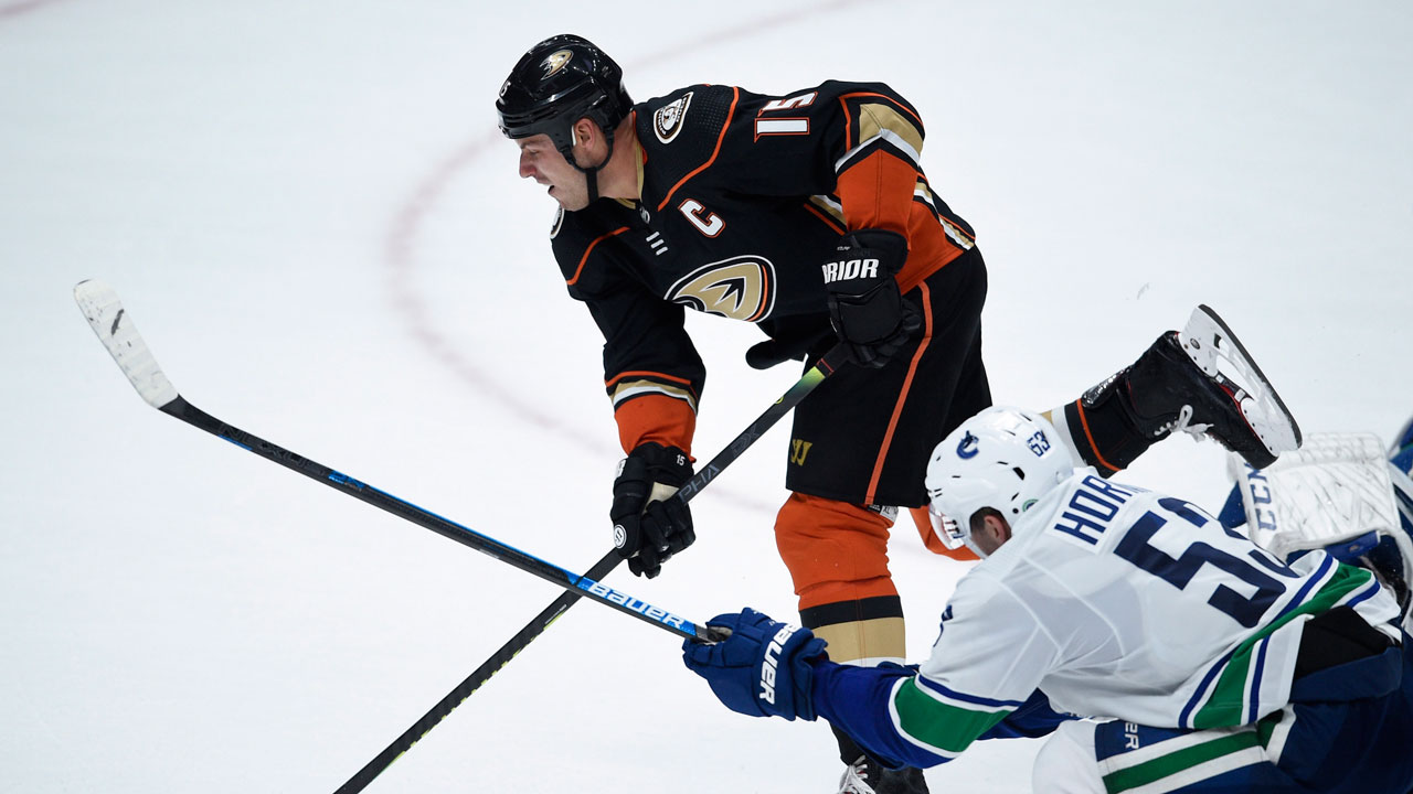 Canucks squander their opportunities and the Ducks' benefit from a rare Markstrom miscue