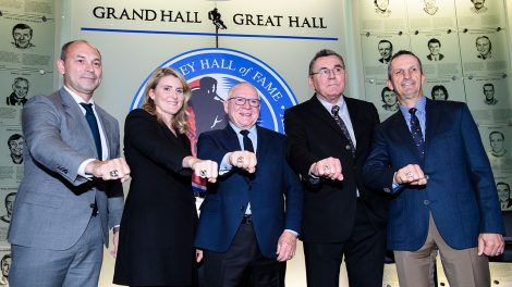 hockey-hall-of-fameers-show-off-rings