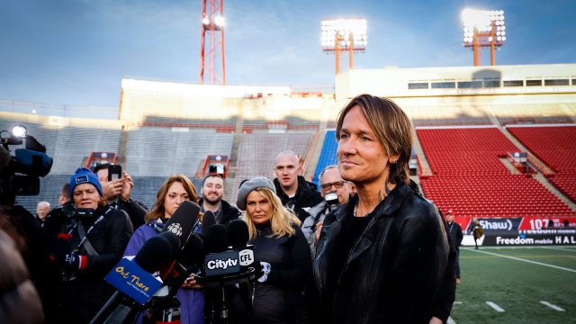keith-urban-grey-cup