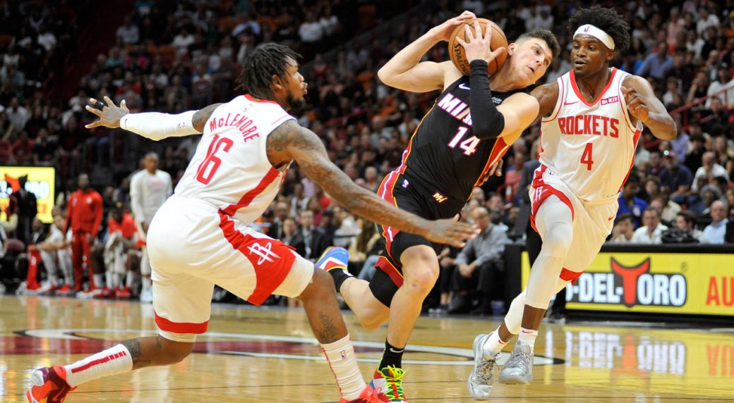 NBA Heat take huge early lead, rout Rockets 129-100