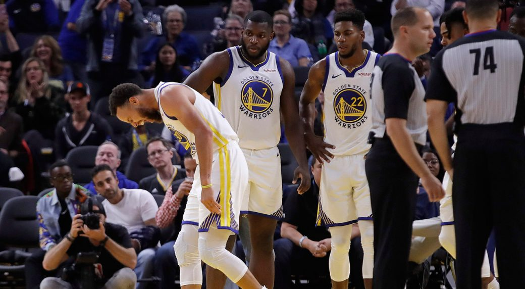 Warriors' Curry out at least four more weeks