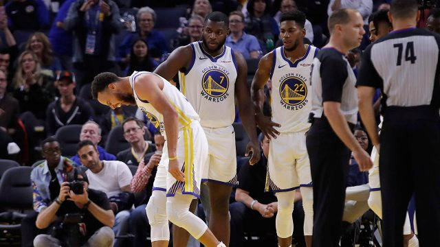 warriors-stephen-curry-reacts-to-hand-injury