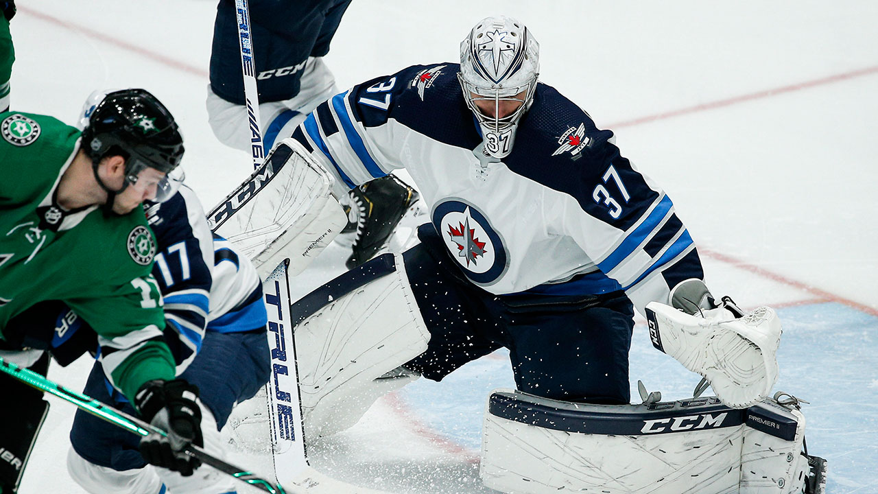 Hellebuyck wins the Vezina Trophy after another solid season.