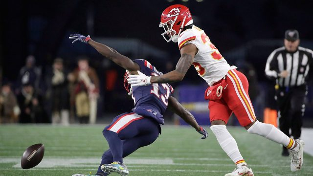 chiefs-charvarius-ward-called-for-pass-interference