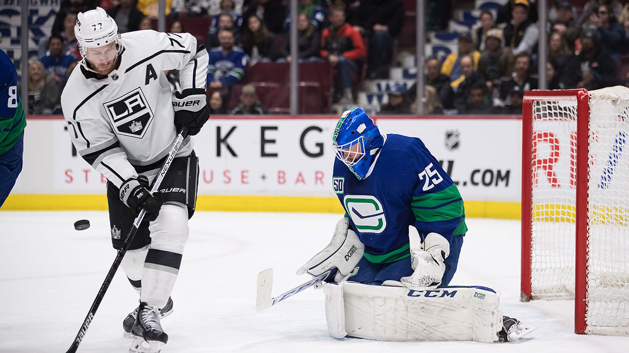 Markstrom continues to shine for the Canucks with a career high 49 saves in win over the Kings