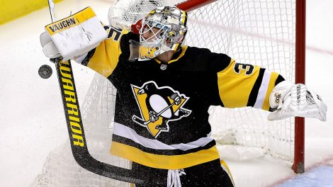 penguins-tristan-jarry-makes-save