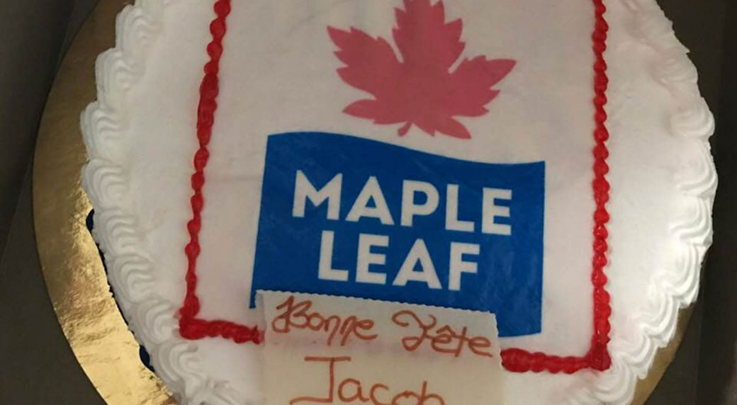 Fabulous The Hockey Cake Bakery Error Spoils Young Leafs Fans Birthday Personalised Birthday Cards Rectzonderlifede