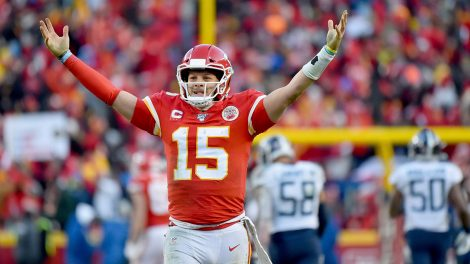 chiefs-patrick-mahomes-celebrates-touchdown-pass-against-titans