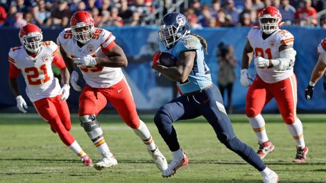 titans-derrick-henry-runs-against-chiefs