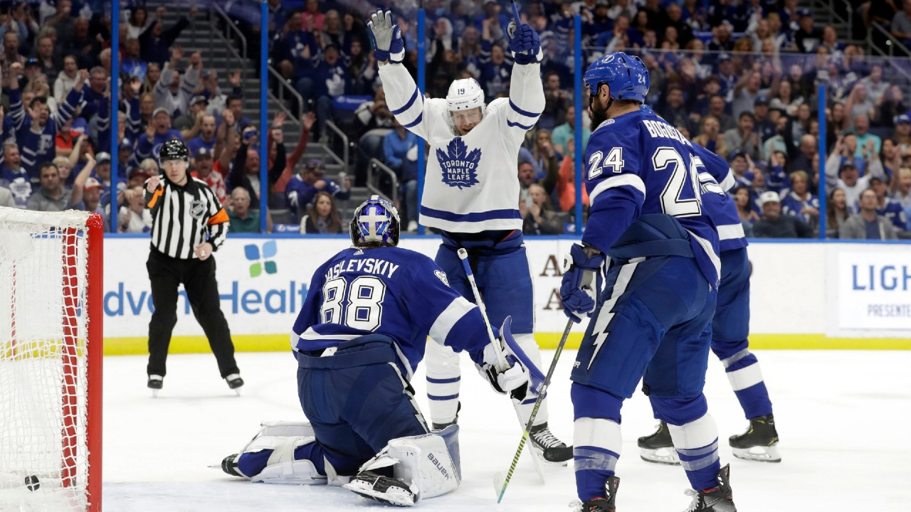 T for two helps the Leafs enjoy a huge win in Tampa