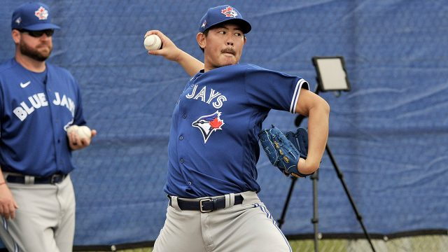 blue-jays-pitcher-shun-yamaguchi