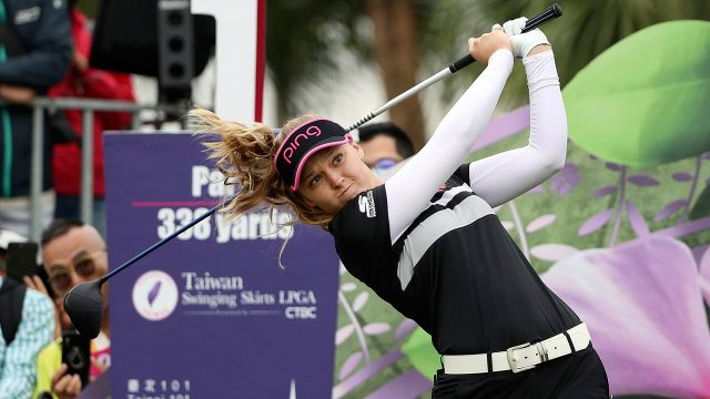 brooke-henderson-hits-a-tee-shot