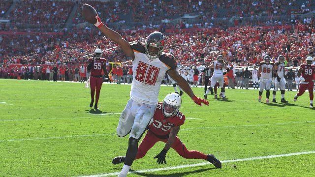 buccaneers-oj-howard-scores-touchdown