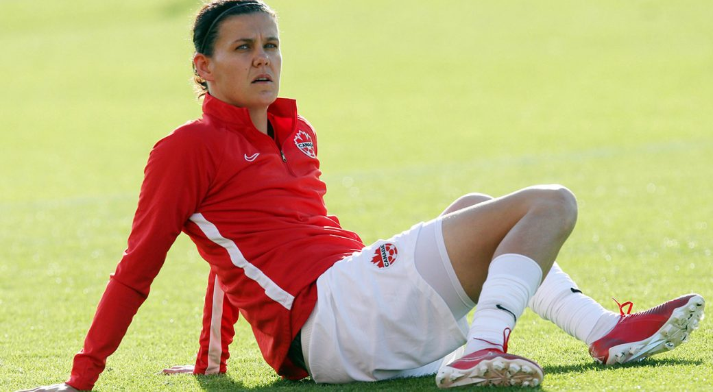 canadas-christine-sinclair-warms-up