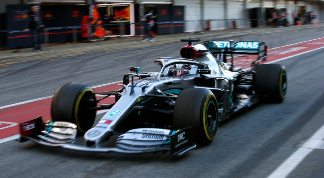 Mercedes F1 team helps to develop breathing aid in ...