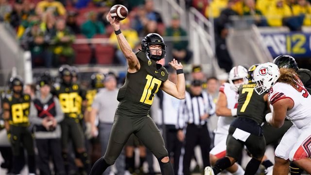 oregon-quarterback-justin-herbert-throws-against-utah