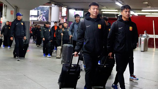 wuhan-zall-soccer-team-arrives-at-train-station