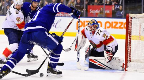 panthers-sergei-bobrovsky-looks-to-make-save-against-leafs