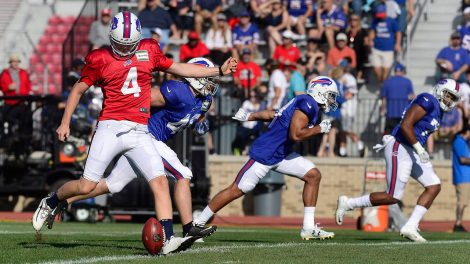 bills-stephen-hauschka-hits-onside-kick-at-training-camp