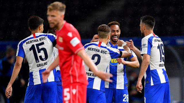 herthas-matheus-cunha-celebrates-goal-with-teammates