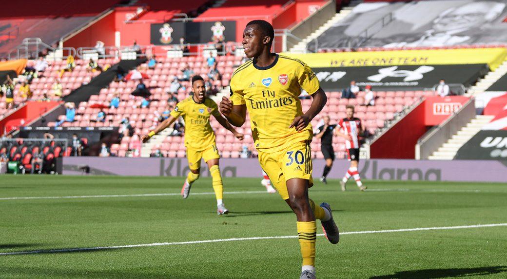 Goalkeeping Blunder Helps Arsenal Win At Southampton Sportsnet Ca