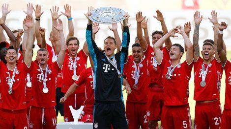 bayern-munich-bundesliga-trophy