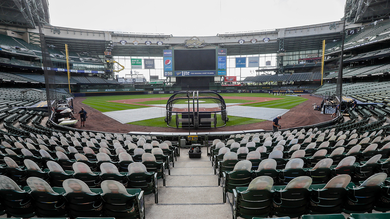 miller-park-brewers-cut-outs