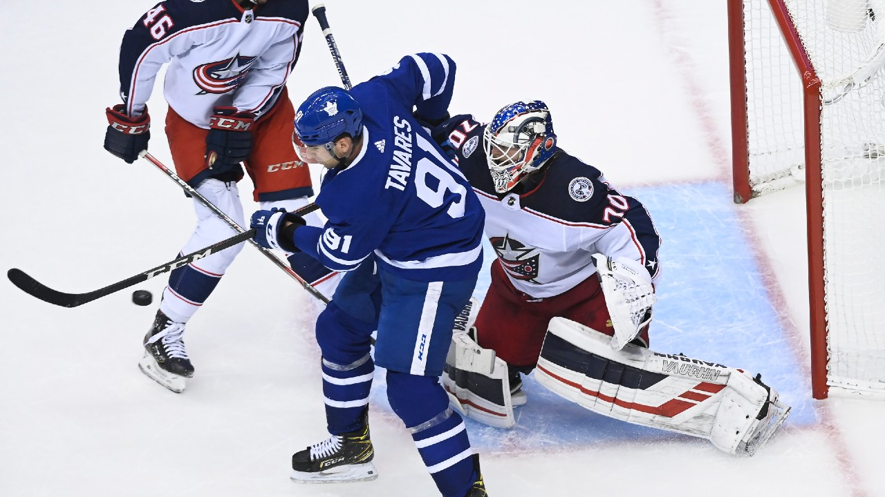 'Jackets shutout Leafs in Game 1