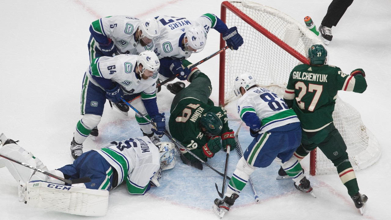 Boeser and Canucks' take a 2-1 series lead over the Wild