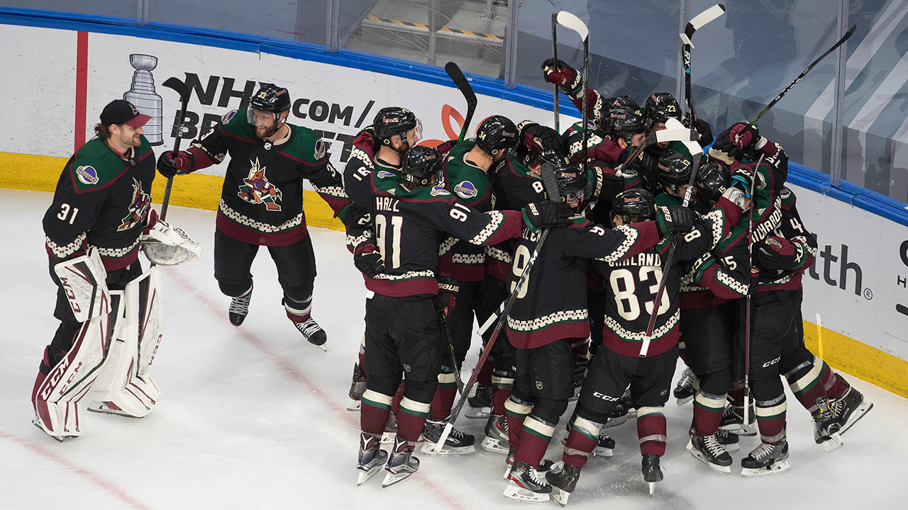Hungry Coyotes' finish off the toothless Predators