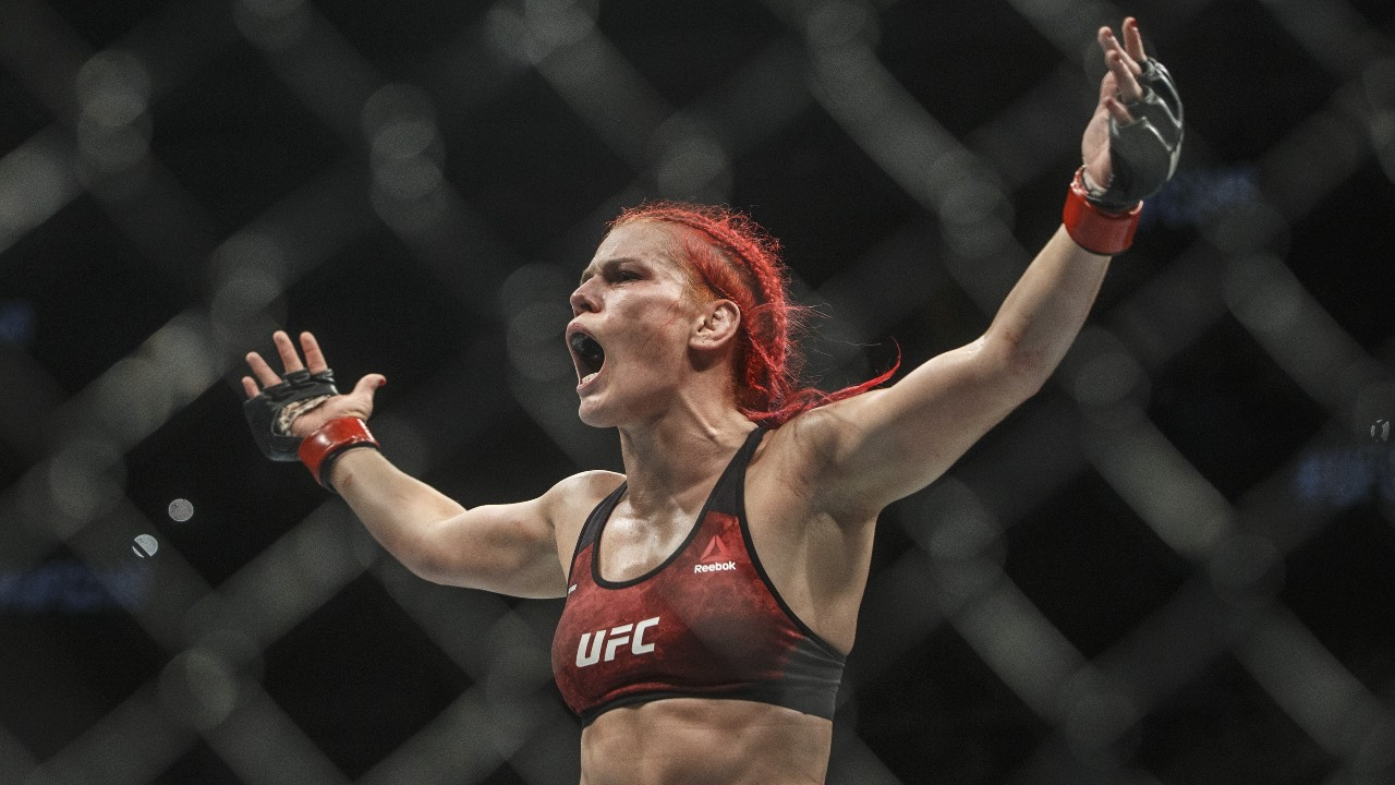 Canadian Gillian Robertson dominates in UFC decision win in Abu Dhabi