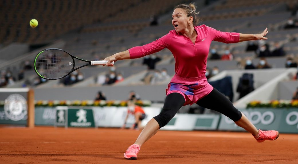 Swiatek hailed as `beast` after stunning top seed Halep at Roland Garros