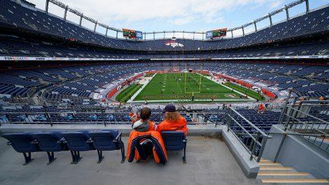 broncos-fans-stadium