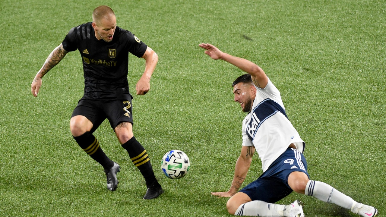 Lucas Cavallini helps Vancouver Whitecaps to victory over LAFC