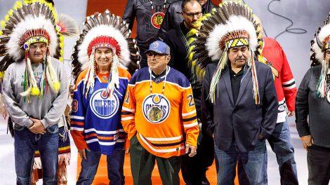 fred-sasakamoose-blackhawks-oilers