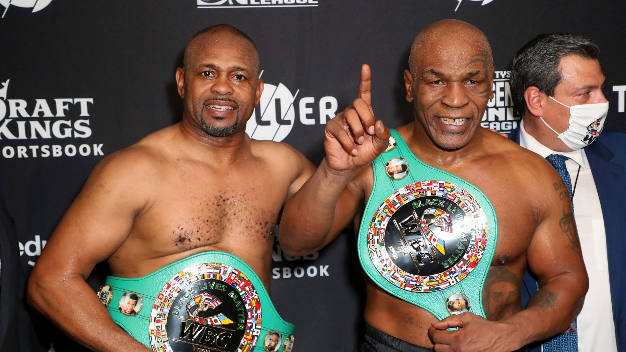 Mike Tyson returns to ring, records draw in exhibition with Roy Jones Jr.