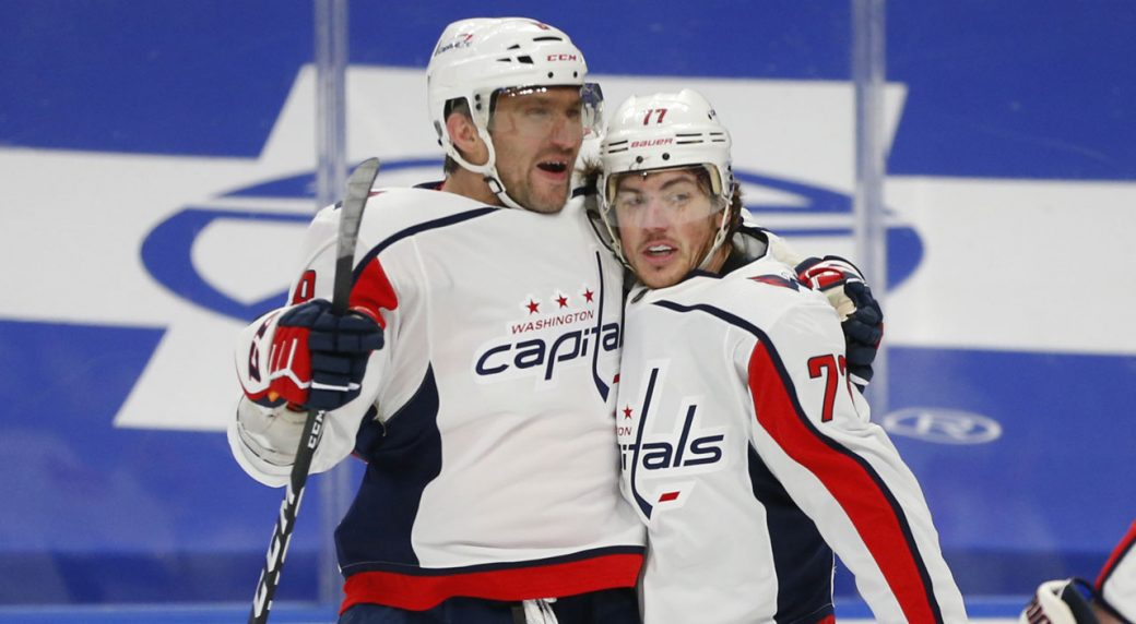 Oshie and the Caps' get Laviolette his first win for Washington