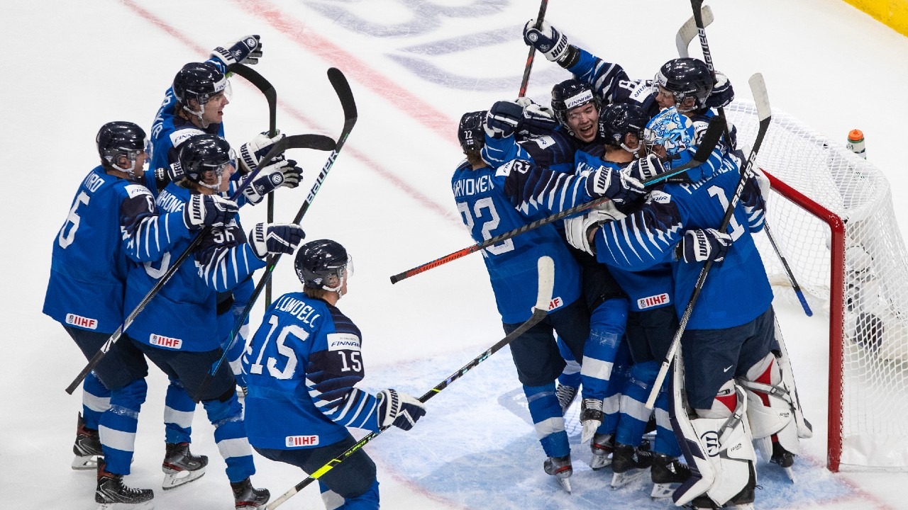 Finland pulls off comeback win over Sweden and will face the U.S.A. in the semifinals on Monday