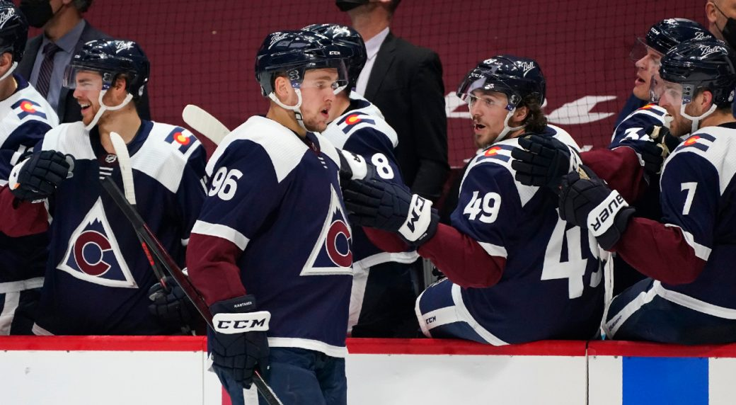 Avalanche's top line scores four, snapping Wild's five-game win streak