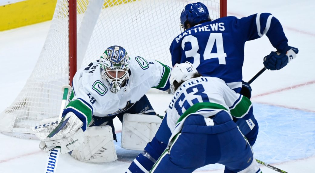 Toronto dominates in 4-1 win over the Canucks