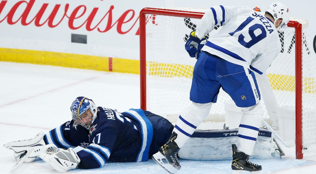 Leafs grab 2 points in the 'Peg with a shootout win over the Jets